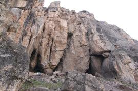 Вход в пещеру Арени