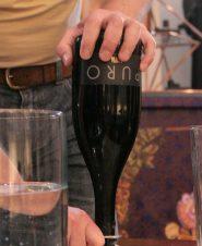 Как открывать шампанское Puro 2009, инструкция в картинках