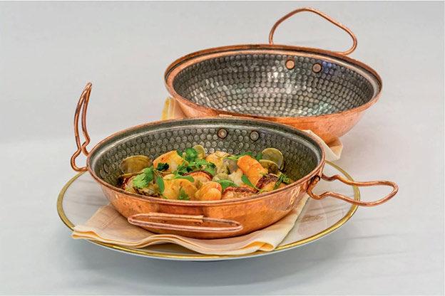 высокие сковородки-катапланы (cataplanas)