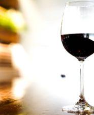 Красное вино оказалось полезным для кишечника